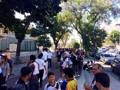 Torcida no Maracanã antes da final (Foto: Edgard Maciel de Sá)