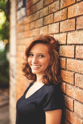 Lorena Comparato  (Foto: Kyra Mirsky / Divulgação)