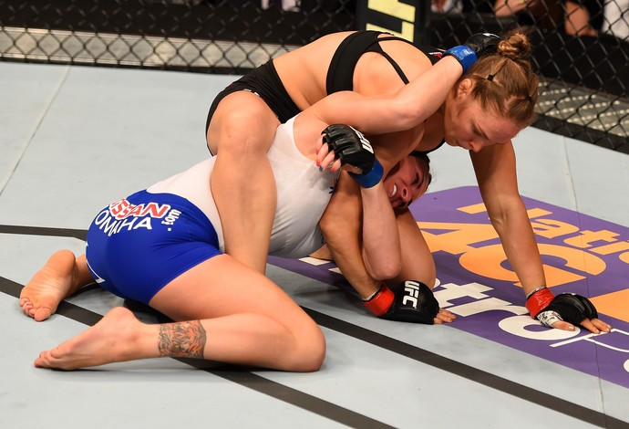 Ronda Rousey Cat Zingano UFC 184 (Foto: Getty Images)