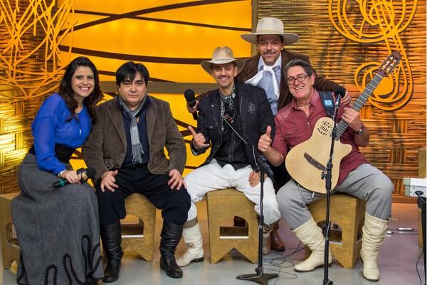 Galpão homenageou Oswaldir e Carlos Magrão e recebeu convidados especiais (Foto: Anderson Favila/RBS TV)