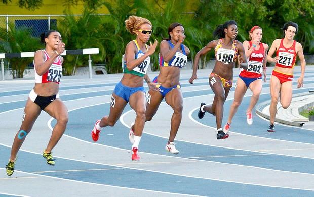 Evelyn Oliveira vence os 200 m na Venezuela (Foto: Marcelo Szwarcfiter / Cbat)