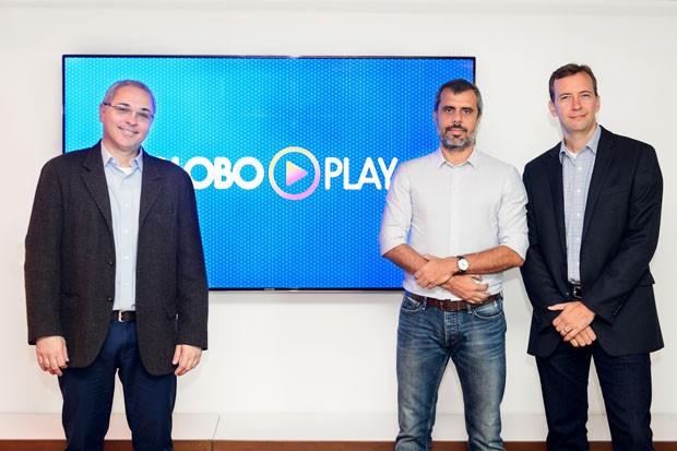 A partir da esquerda: Raymundo Barros, diretor de Tecnologia; Erick Brêtas, diretor de Mídias Digitais; e Eduardo Becker, diretor de Comercialização de Mídias Digitais, no laçamento do Globo Play nesta segunda-feira (26) em São Paulo (Foto: Globo/Ramón Vasconcelos)