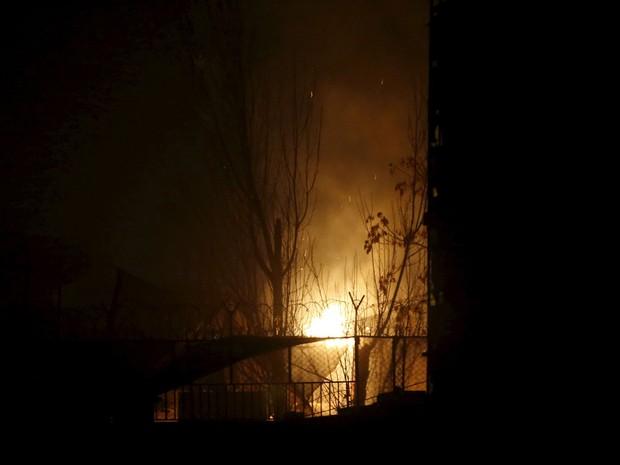 Foto no restaurante francês Le Jardin, alvo de atentado com carro-bomba em Cabul (Foto: Omar Sobhani/Reuters)