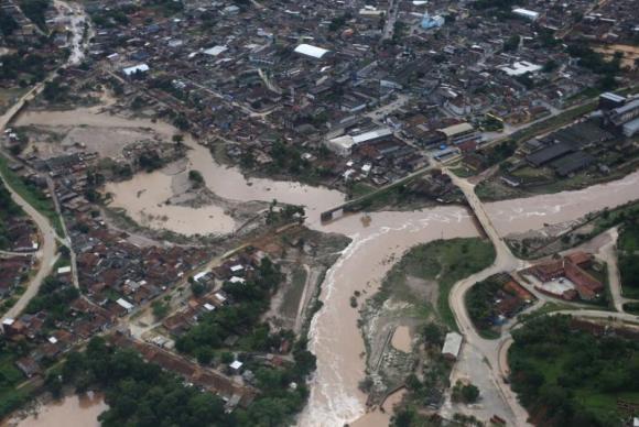 chuva-pernambuco-enchente  (Foto: Aluísio Moreira/Governo de Pernambuco)