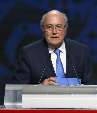 Joseph Blatter e Vladimir Putin sorteio das eliminatórias da Copa de 2018 (Foto: Reuters)