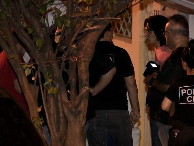 Perícia no local da chacina em Campinas (Foto: José Braz/ EPTV)