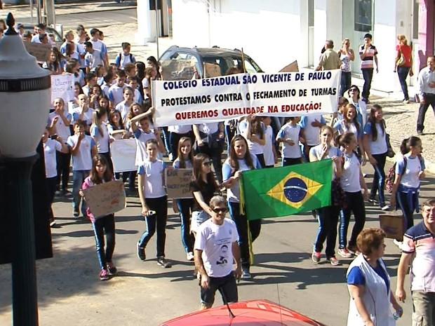 Hoje, 650 alunos estão matriculados no colégio. (Foto: Divonei Ravanello Jr/RPC)