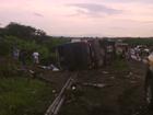 Ônibus com banda de forró 'Garota Safada' tomba no interior do Ceará