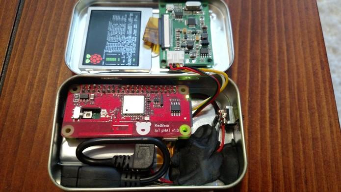 PiMiniMint é um mini computador feito dentro de uma lata de balas (Foto: Reprodução/MWagner)