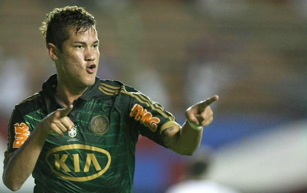 Betinho comemora gol do Palmeiras contra o Bahia (Foto: Cesar Greco / Agência Estado)