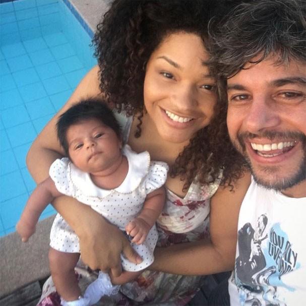 Juliana Alves com Yolanda e Ernani Nunes (Foto: Reprodução/Instagram)