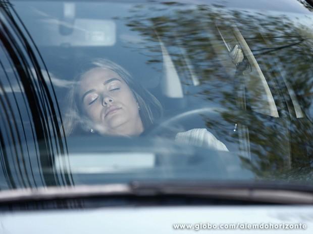 Lili não aguenta a dorme durante vigilia (Foto: Inácio Moraes/TV Globo)