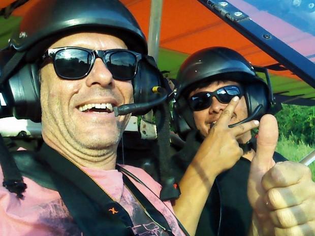 André Amaral (à esq.) e Fernando Antônio eram pilotos e instrutores em Araraquara (Foto: Arquivo pessoal)