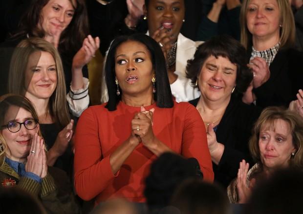 Olhos de Michelle Obama se enchem de lágrimas em seu último discurso como primeira-dama (Foto: Getty Images)