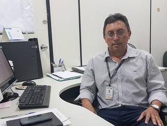 O chefe da Diretoria de Ciclos de Vida e Práticas Integrativas da Saúde, Fernando Ribeiro de Barros (Foto: Raquel Morais/G1)