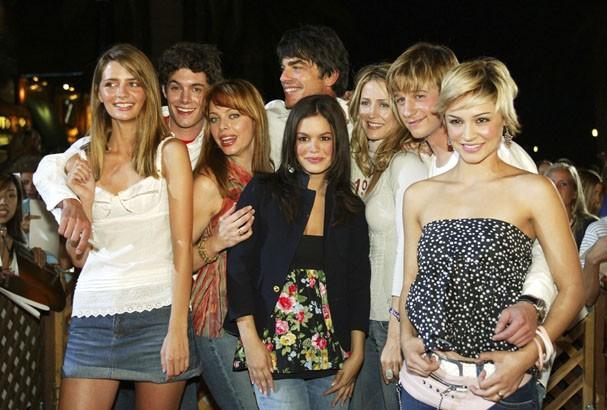 O elenco de The O.C. na festa de estreia da série, em 2004! (Foto: Getty Images)
