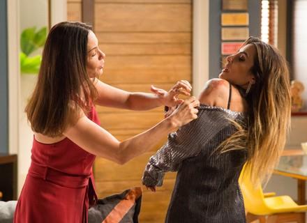 Penélope exige explicação de Tamara sobre machucados