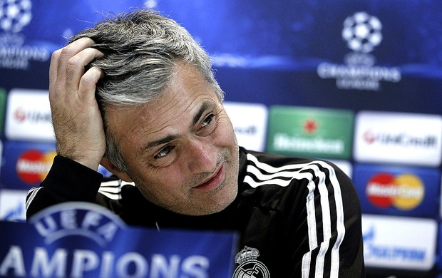 José Mourinho na coletiva do Real Madrid (Foto: EFE)