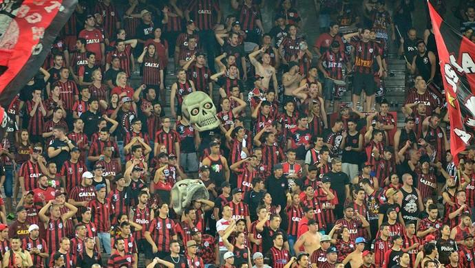 Torcida do Atlético-PR na Arena da Baixada (Foto: Site oficial do Atlético-PR/Divulgação)