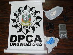 Drogas foram apreendidas na operação (Foto: Divulgação/Polícia Civil)