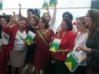 Deputadas e senadoras fazem ato contra o impeachment de Dilma