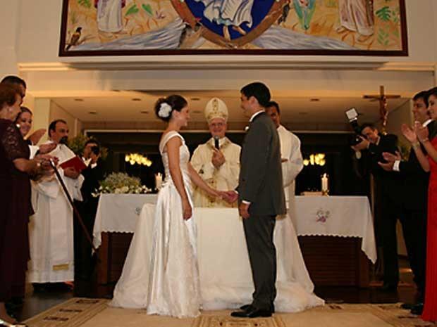 Dom Odilo Scherer celebra casamento em igreja da cidade de São José dos Campos (SP), no dia 15 de fevereiro. Foto cedida pela família. (Foto: Daniel Brasil)