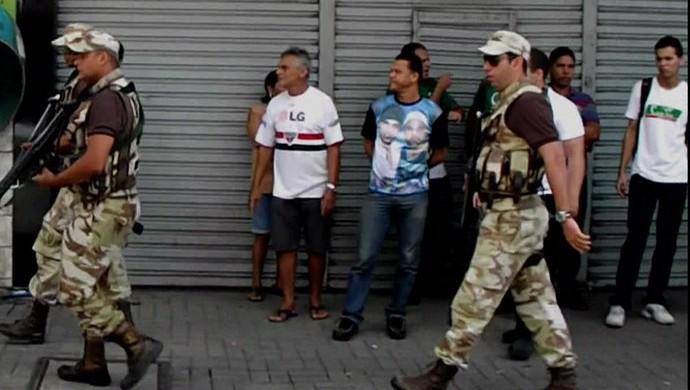 greve polícia militar pernambuco recife (Foto: Reprodução / TV Globo)