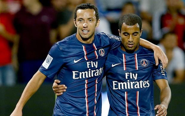 Lucas e Nene na partida do PSG contra o Lekhwiya (Foto: Reuters)