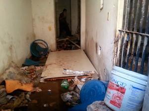 Detentos destruíram seis celas do Centro de Detenção da Ribeira, em Natal (Foto: Kléber Teixeira/Inter TV Cabugi)
