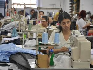 Indústria de transformação vestuário em Campo Grande MS (Foto: Fernando da Mata/G1 MS)