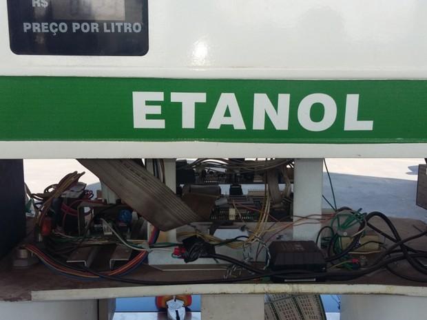 Dispositivos encontrados em bombas de combustíveis vão ser periciados, em Goiás (Foto: Divulgação/Procon-GO)