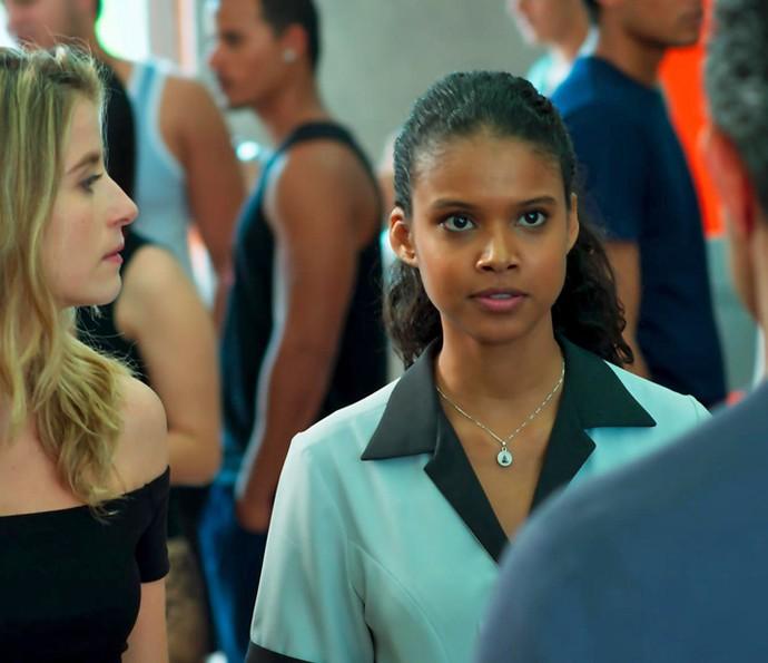 Ricardo não curtiu ideia e pega pesado com Joana (Foto: TV Globo)