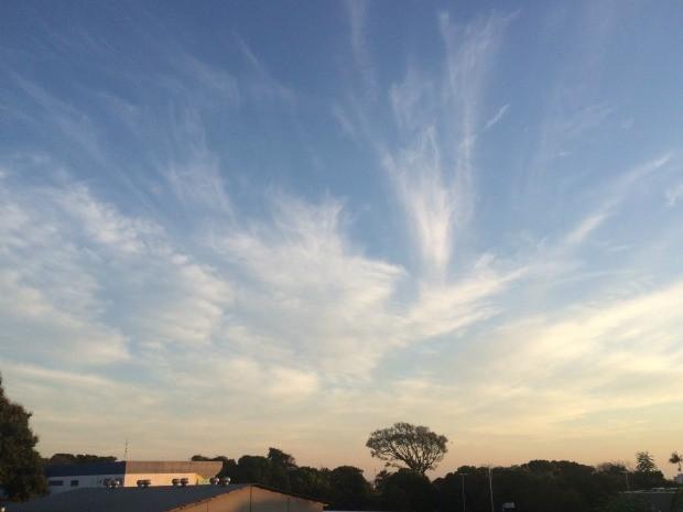 Céu de Campo Grande na tarde desta segunda-feira (13) (Foto: Liniker Ribeiro/TV Morena)