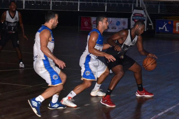 Itararé Correria vira e derrota o Domingos Martins (Foto: Sidney Magno Novo/GloboEsporte.com)