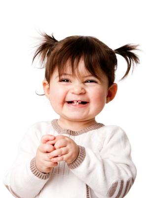 Criança rindo (Foto: Shutterstock)
