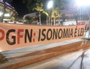 Faixa Fluminense Maracanã (Foto: Rafael Cavalieri)