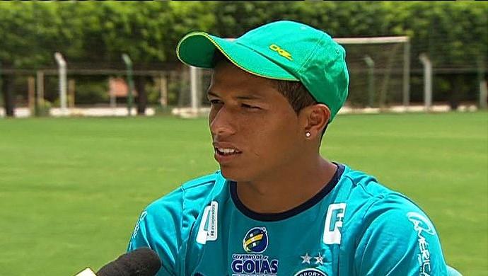 Clayton Sales, lateral do Goiás (Foto: Reprodução/TV Anhanguera)
