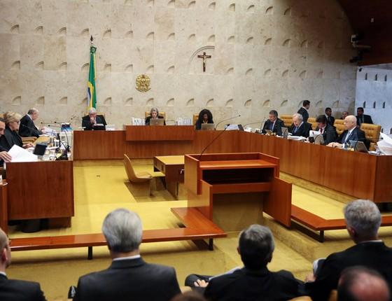 Supremo Tribunal Federal realiza sessão plenária, para julgar a liminar concedida pelo ministro Marco Aurélio Mello, que afastou do cargo o presidente do Senado, Renan Calheiros (Foto: José Cruz/ABR)