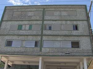 Imagens foram gravadas de um prédio na orla da praia do Sonho (Foto: Reprodução / TV Tribuna)