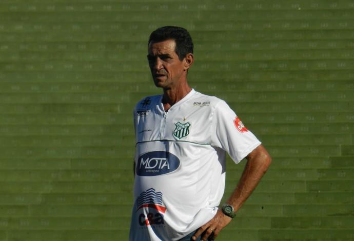 Zecão, técnico interino  do Uberlândia Esporte, hexagonal Mineiro 2014 (Foto: Gullit Pacielle)