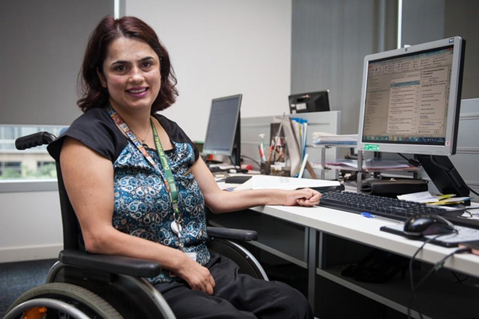 A analista de eventos Luciana Araújo, de 45 anos, procurou emprego durante 1 ano antes de ser contratada. (Foto: Fábio Tito/G1)