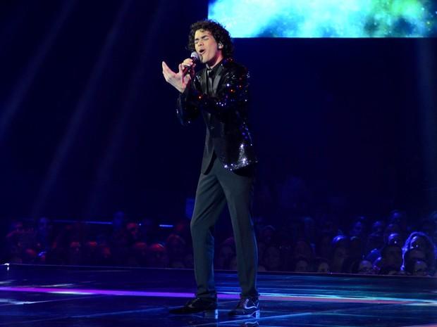 Sam Alves canta na final do 'The Voice Brasil', no Rio (Foto: Roberto Teixeira/ EGO)