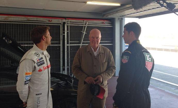 Jenson Button e Cristiano Ronaldo com Mr. Biver, presidente da marca de relógios (Foto: Reprodução)