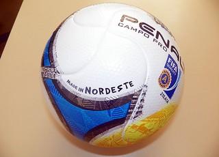 FBF apresenta bola da Copa do Nordeste (Foto: Divulgação)