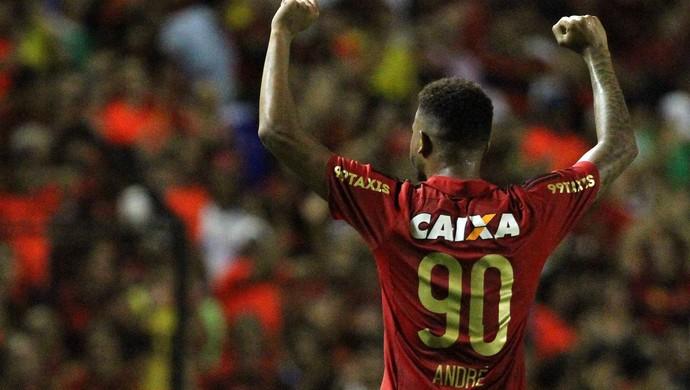 Corinthians chega a acordo com Atl�tico-MG e marca exames para Andr�