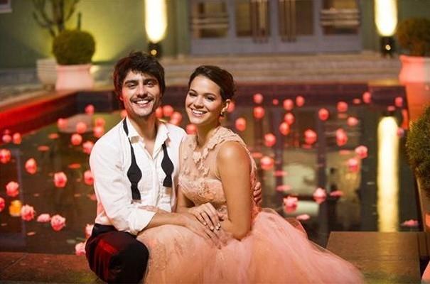O amor de Helena (Bruna Marquezine) e Laerte (Guilherme Leicam)  (Foto: Rede Globo/ João Miguel Júnior)