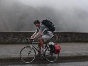Ney Mello percorreu 400 quilômetros sob chuva e frio no Canadá (Foto: Felipe Turioni/G1)