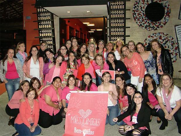 Grupo 'Mães Amigas em um dos happy hour para as mulheres em Campinas (Foto: Helena Pazzeti)
