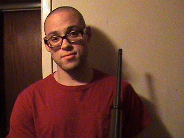 Chris Harper Mercer seria o responsável por um massacre que terminou com 10 mortos em uma universidade do Oregon, nos EUA (Foto: Reprodução/MySpace)