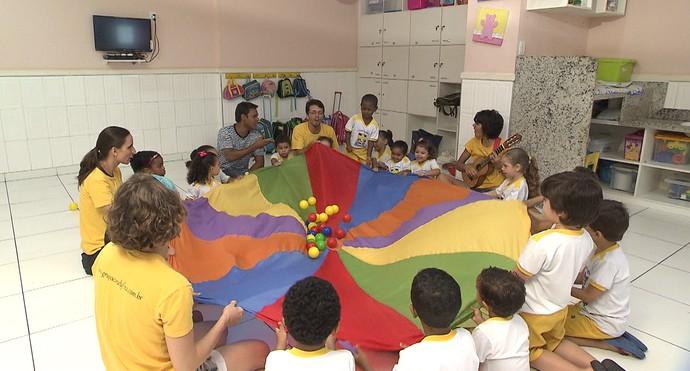 Musicalização infantil beneficia o desenvolvimento cognitivo, motor e psicológico (Foto: TV Bahia)